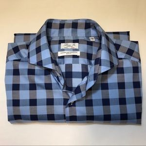 👕2/$35👕 Linea In made in Italy slim fit.